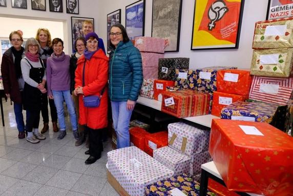 Weihnachtliche Paketaktion für bedürftige Tierhalter